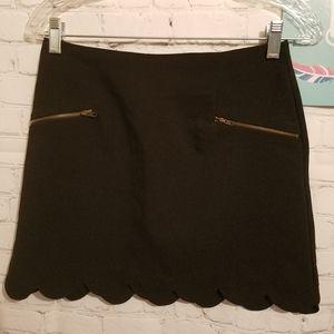 Monteau Scalloped Edge Skirt